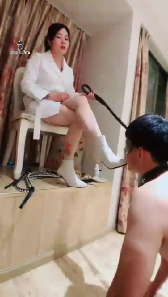 Plot-forced pressing, short boots, stockings feeding, deep throat