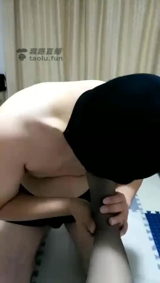 Grey silk, deep throat dog