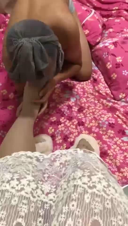 Boyfriend slave licks feet, premiere tunes boyfriend