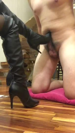 HD, Mistress Zhiqing foot job to the happy ending 2, High heels