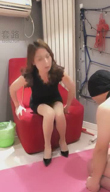 Heavy mouth, foot licking slave
