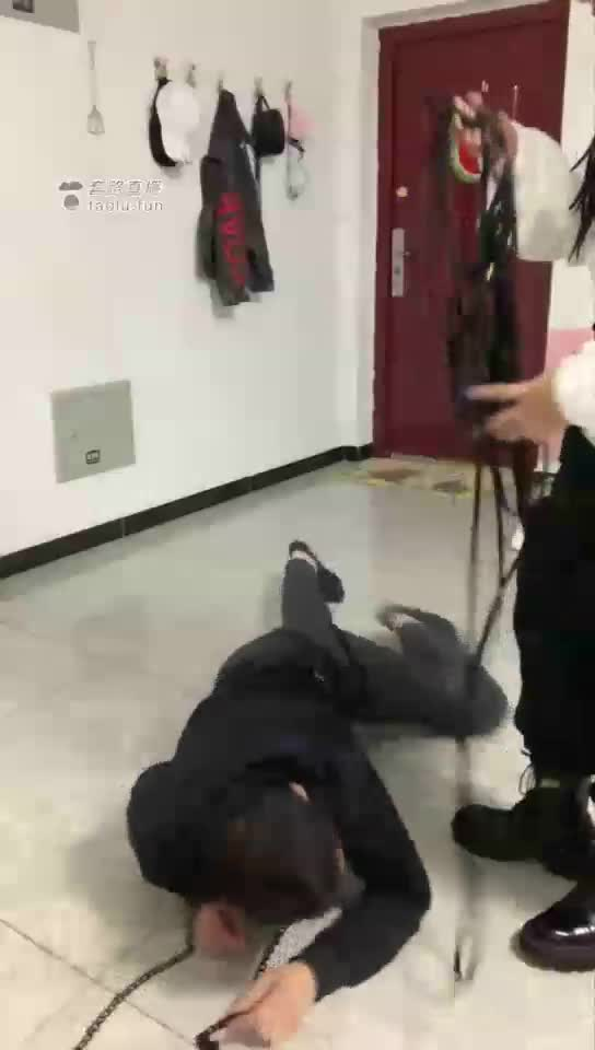Wenwen's lazy end, bondage, violence, brutality, black belly, contrast
