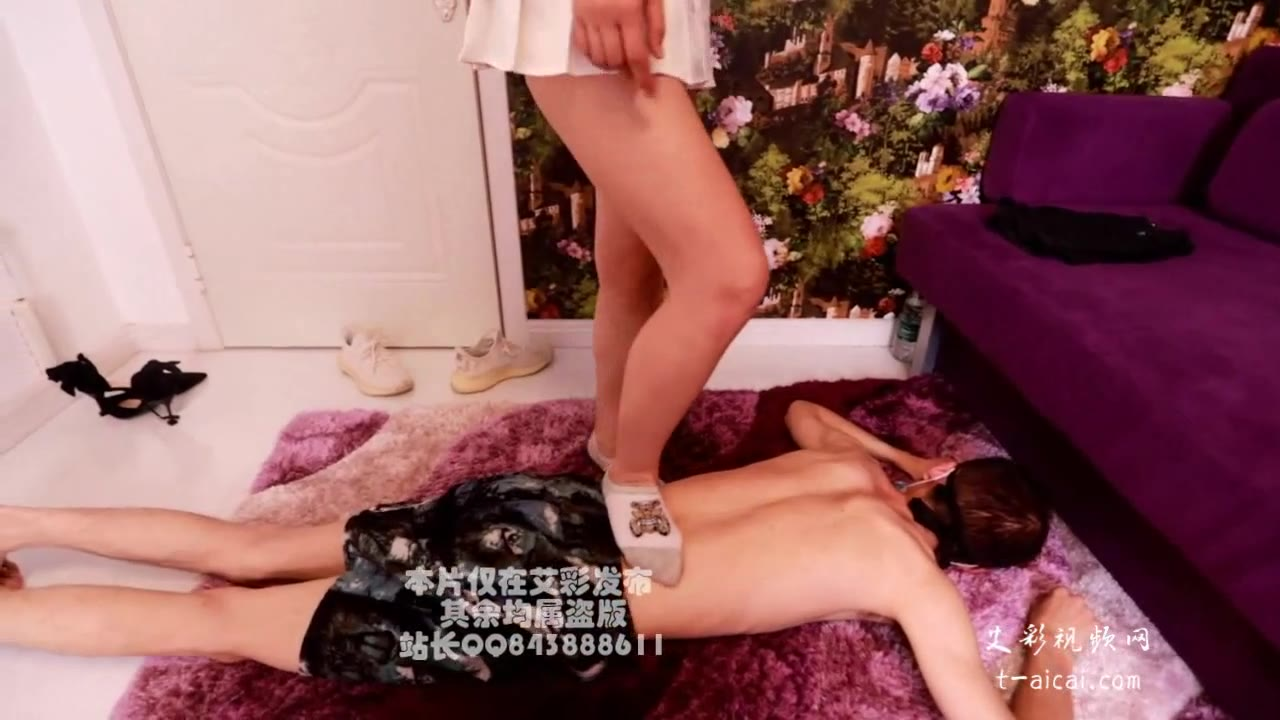 182 tall long legs step on thin slaves, share with friends