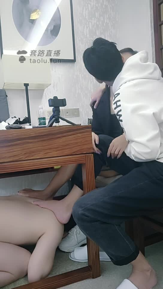 Couples in class, foot fetish and Yin Yin, sharing with friends