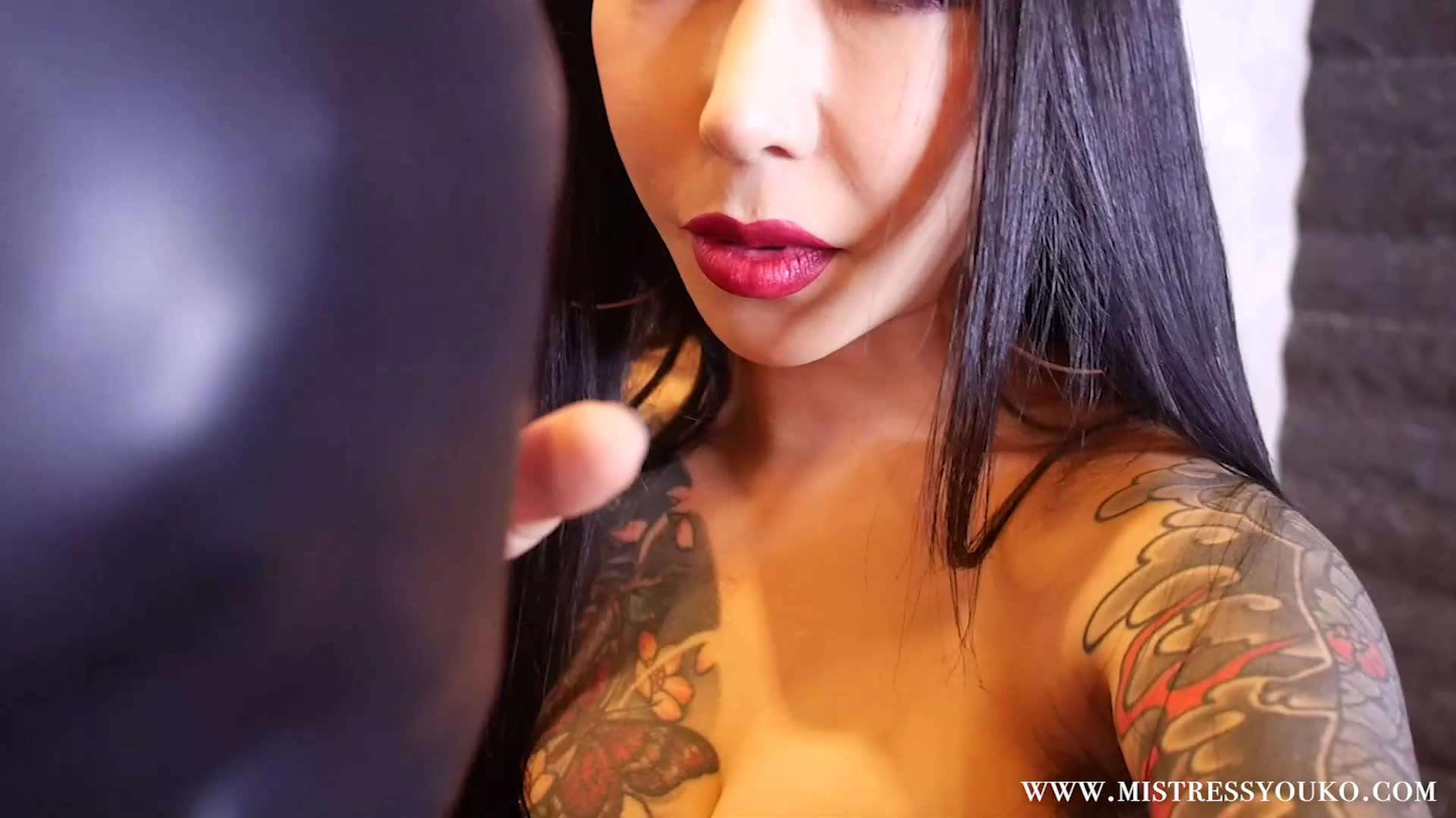 Japanese domineering tattoo demon lake queen plays with weak male slave, whipped breasts, sputum and face