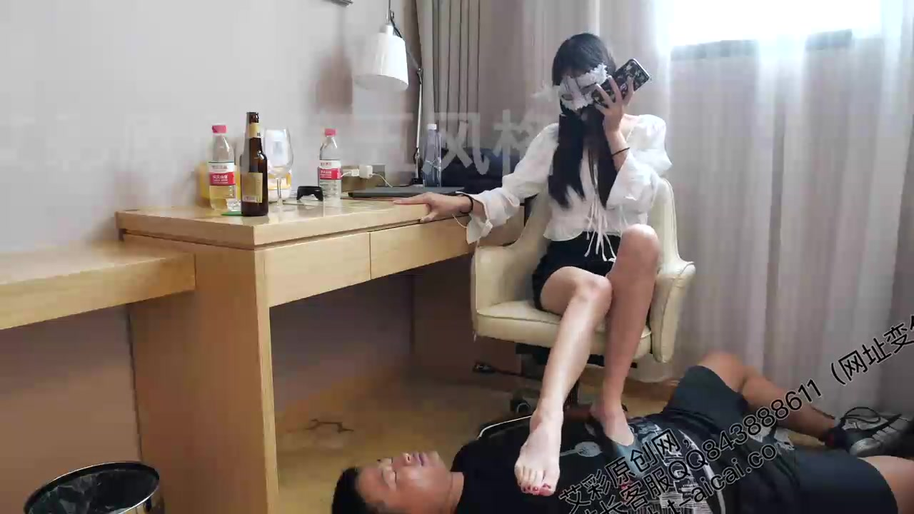 Xiao Maruko, the first part of the decadent foot fetish series