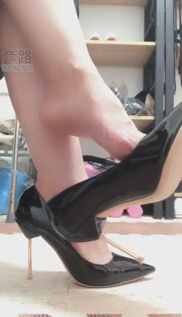 Original Bare Foot Squeezed