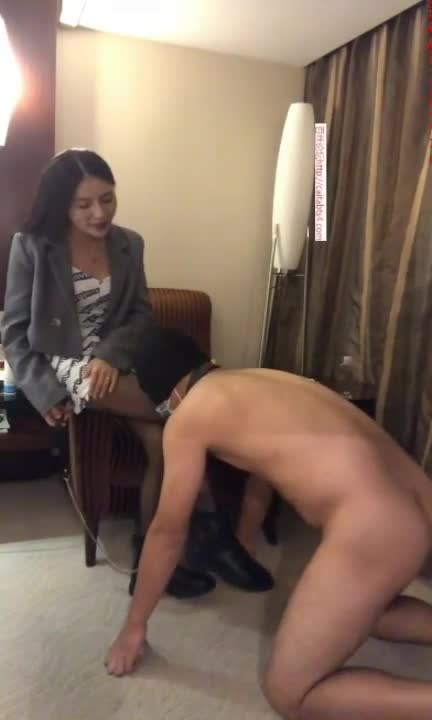 Heavy plot, sharing with friends, playing with toilet slave 2