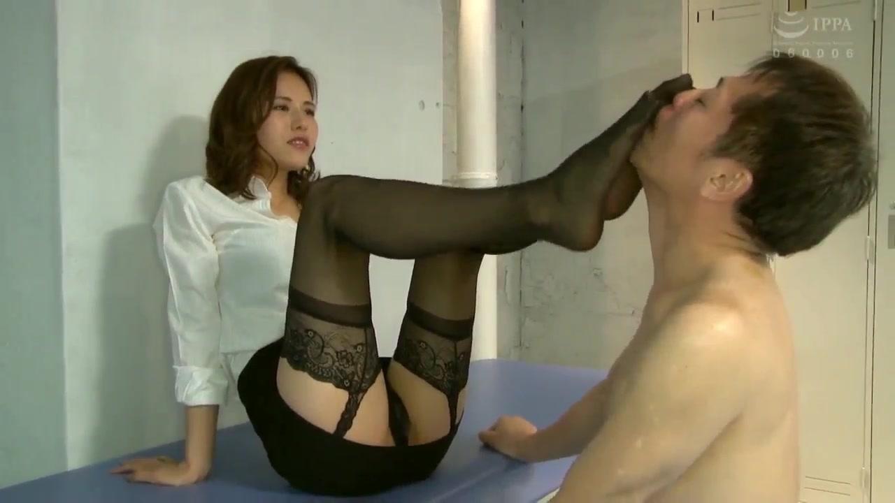 Temperament OL, black silk, high heels, sexy, femdom