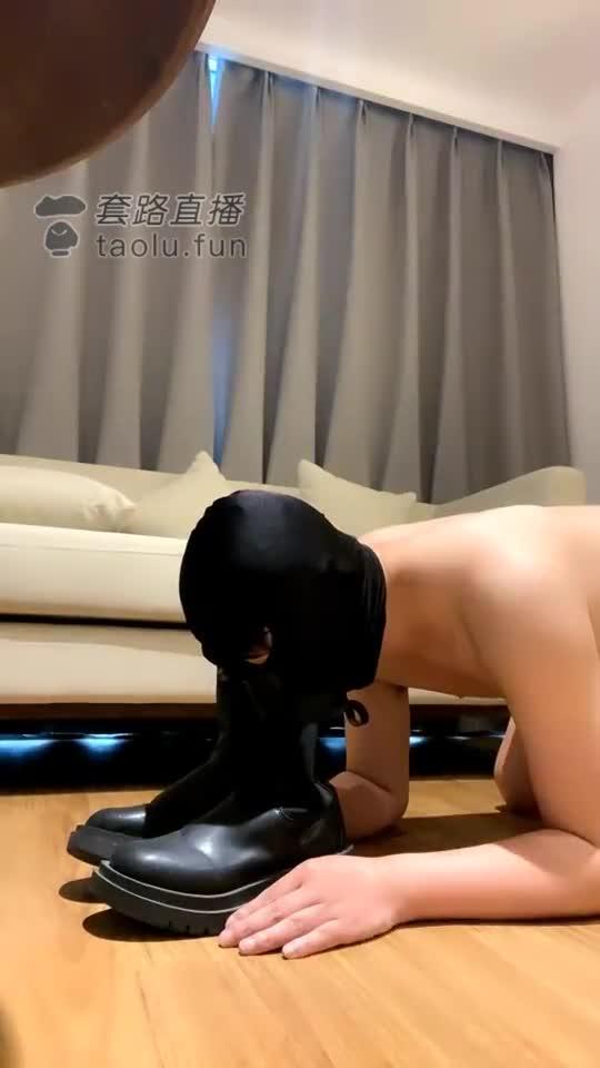 Black silk, deep throat, high heel trampling